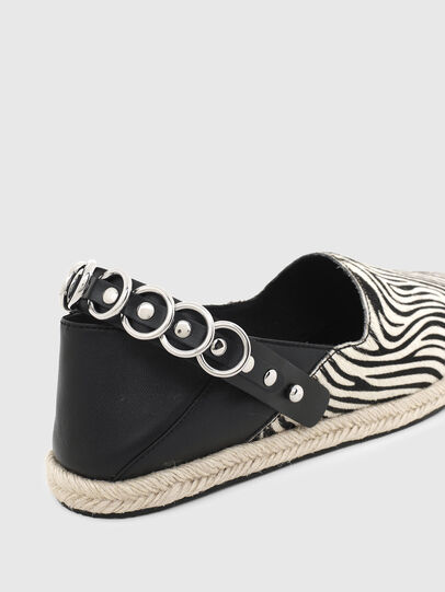 Diesel - S-LIMA W, Black/White - Flats - Image 4