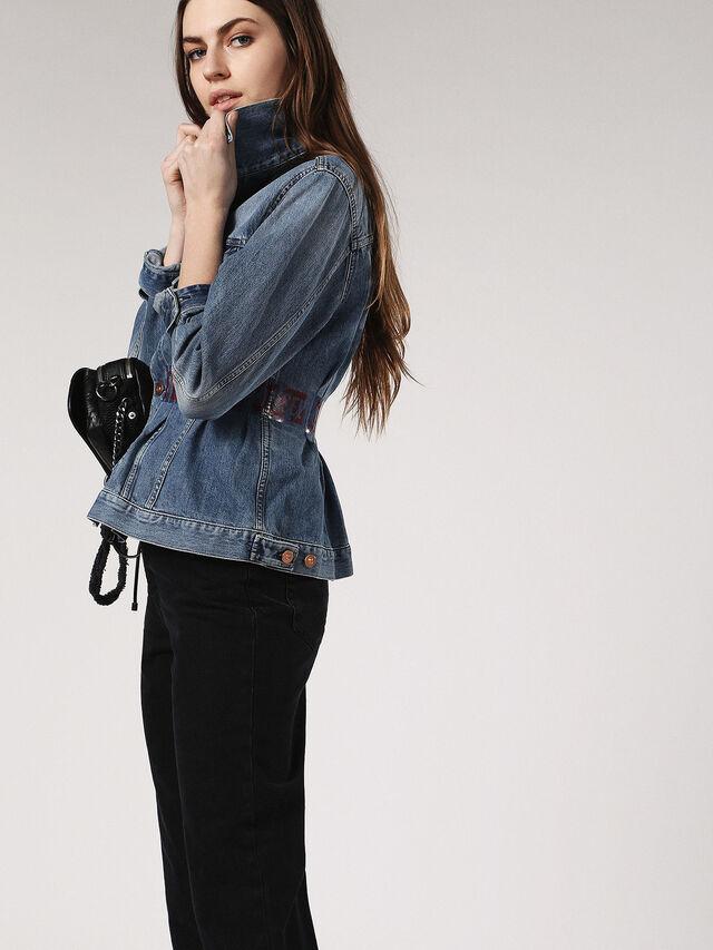 DE-TAPE, Blue jeans