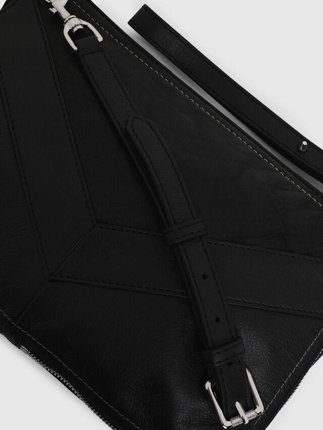 LE-LITTSYY, Black Leather