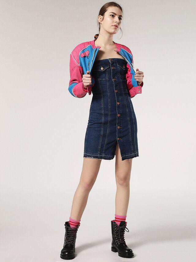 DE-EMY, Blue Jeans