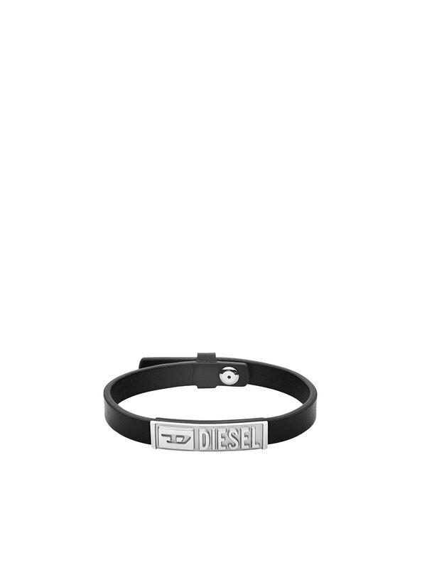 https://be.diesel.com/dw/image/v2/BBLG_PRD/on/demandware.static/-/Sites-diesel-master-catalog/default/dw895c5118/images/large/DX1226_00DJW_01_O.jpg?sw=594&sh=792