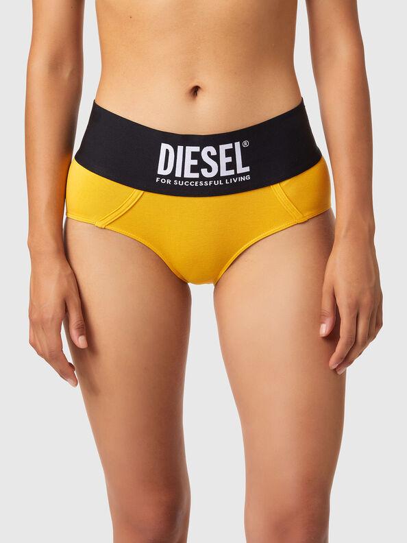 https://be.diesel.com/dw/image/v2/BBLG_PRD/on/demandware.static/-/Sites-diesel-master-catalog/default/dwa8516dc2/images/large/00SEX1_0DCAI_22K_O.jpg?sw=594&sh=792