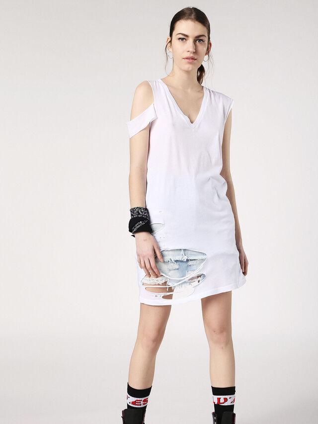 T-SHANE, White