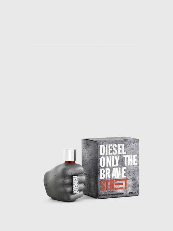 https://be.diesel.com/dw/image/v2/BBLG_PRD/on/demandware.static/-/Sites-diesel-master-catalog/default/dwc23fed44/images/large/PL0457_00PRO_01_O.jpg?sw=594&sh=792