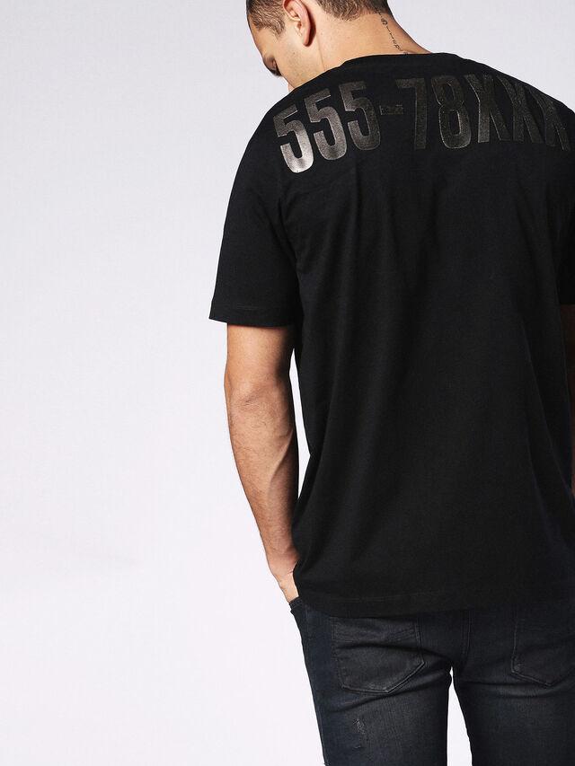 T-JUST-SU, Black